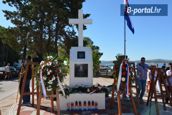 TURANJ: spomenik hrvatskom vitezu Danijelu Mandiću