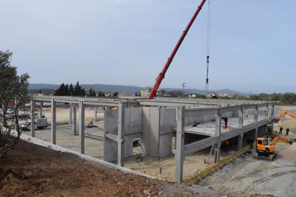 Sv. Filip i Jakov: Izgradnja supermarketa Plodine