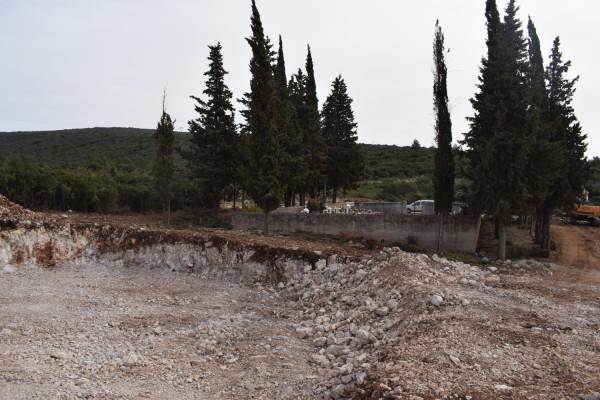 Sv. Petar: Proširenje groblja