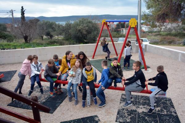 Sv. Petar: Novo dječje igralište